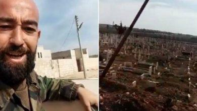 Photo of بالفيديو .. عناصر في جيش الأسد يعبثون بقبور شهداء بلدة خان السبل بريف إدلب