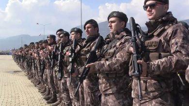 Photo of وزارة الدفاع التركية: تم تحيـ.ـيد 21 عنـ.ـصراً من التنـ.ـظيمات الإرهـ.ـابية داخل وخارج الأراضي السورية