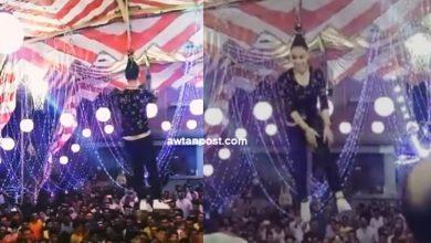 Photo of فتاة مصرية ترقص معلقة من شعرها في الهواء تثير الجدل .. هذه قصتها (فيديو)