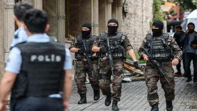 Photo of السلطات التركية تلقي القبض على عصـ.ـابة تفرض إتاوات على سوريين في أنقرة