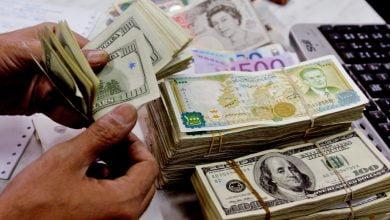 Photo of تحسن ملحوظ بسعر الليرة السورية أمام الدولار والذهب يواصل انخفاضه في سوريا