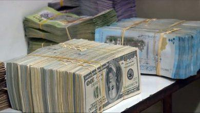 Photo of استقرار بسعر الليرة السورية أمام الدولار والذهب يعاود ارتفاعه