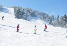 Photo of بدء التزلج في منطقة أولوداغ التركية مع أول تساقط للثلوج