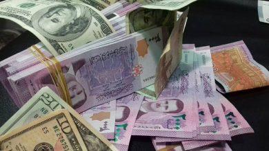 Photo of انخفاض قياسي جديد تسجله الليرة السورية مقابل العملات الأجنبية مع ارتفاع لافت في أسعار الذهب محلياً